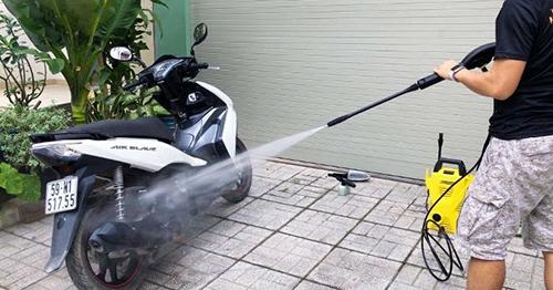 Rửa xe tay ga đúng cách