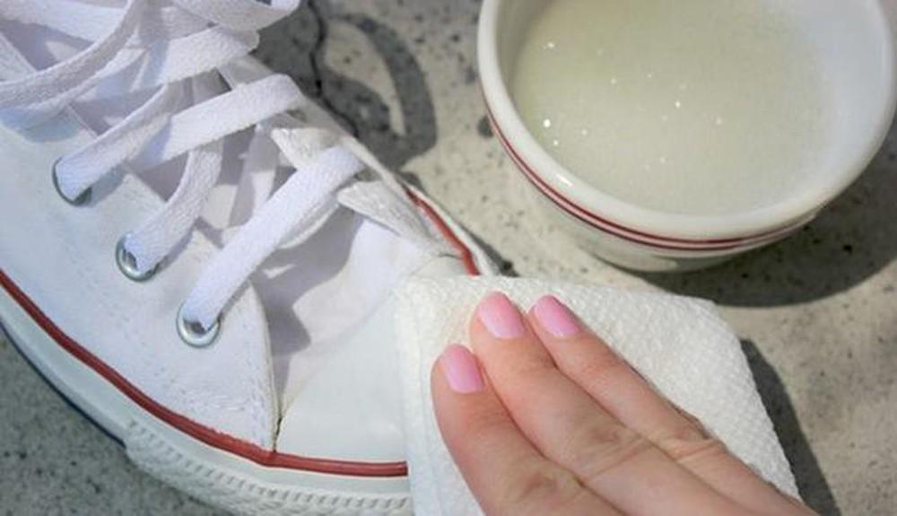 lưu ý khi giặt giày thể thao